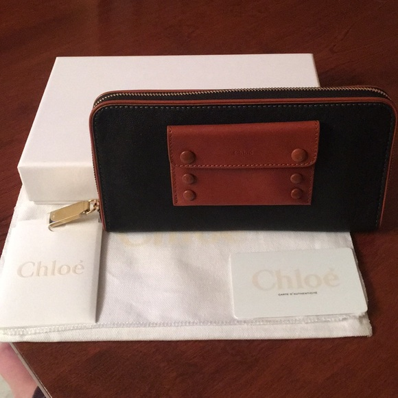 be8032b9 New authentic Chloe black leather wallet Boutique